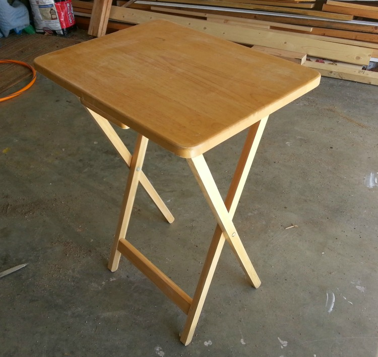 tray table before makeover