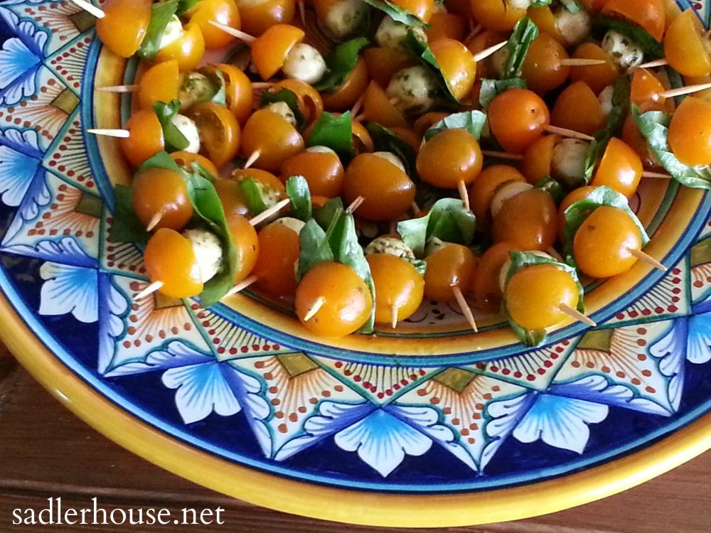 Balsamic Pesto Caprese Bites from @sadlerhouse